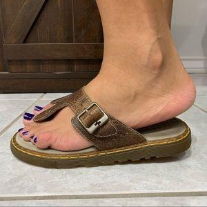 Dr. Martens Donna T- Strap Leather Sandals